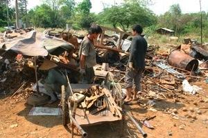 Laotian Bomb Hunters